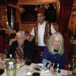 Jim Humble (MMS) und Carolina Lloyd im Restaurant Sultan Palace nach dem Spirit of Health 2014 Kongress in Hannover